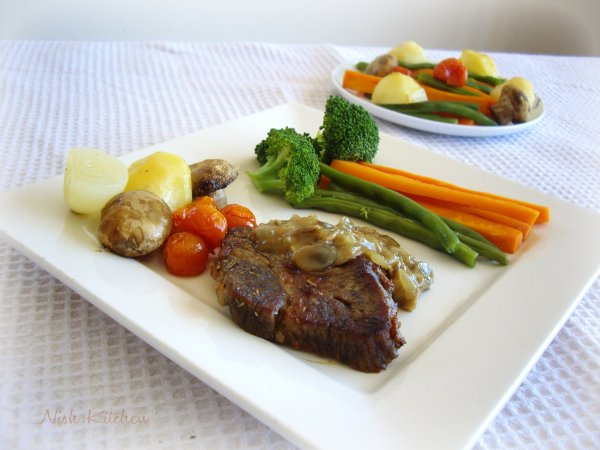 Steak with Mushroom Sauce and Veggies